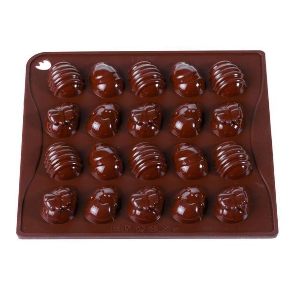 Foremki do czekoladek lub kostek lodu jajka 20 sztuk Pavoni CHOCOVETTEMRS