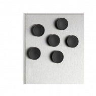 Komplet 6 czarnych magnesów Blomus Muro