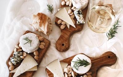 Serowe wariacje - sposób na deskę pełną serów